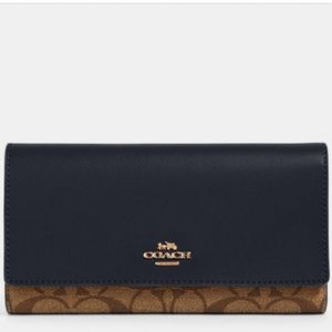 Coach Trifold Wallet In Signature Canvas